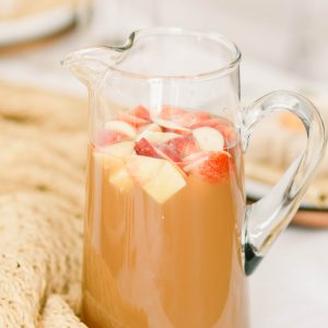 quick and easy thanksgiving recipes; apple cider sangria recipe