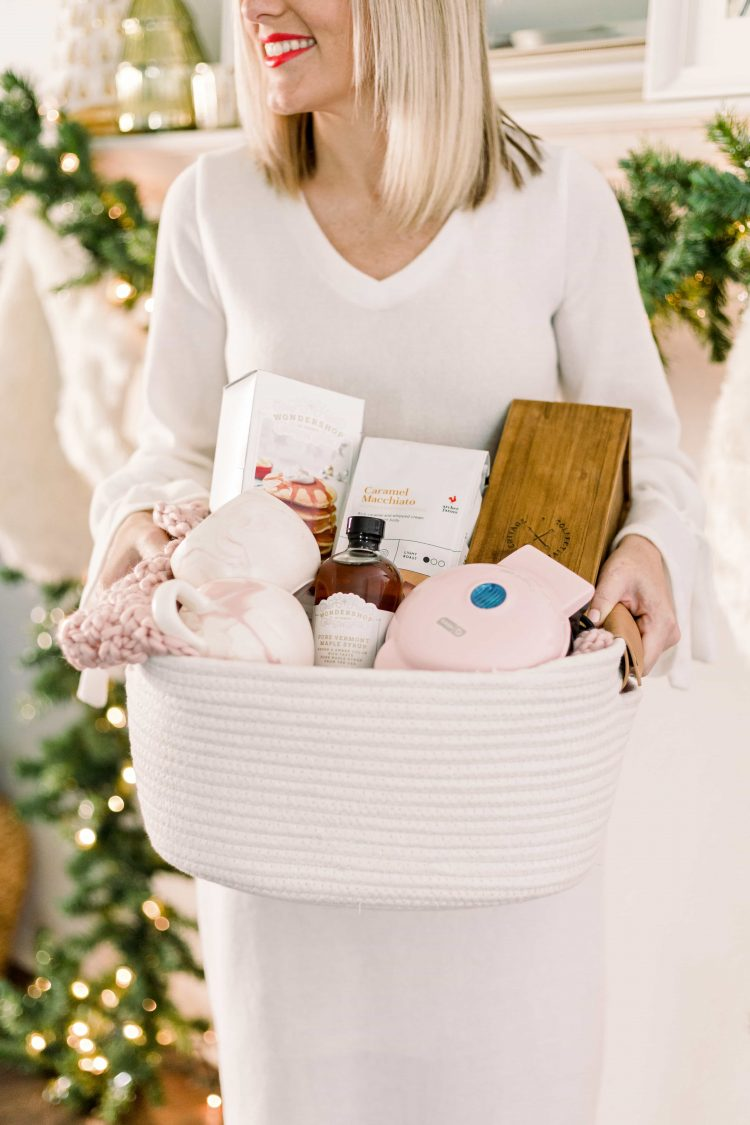Holiday Gift Guide for the Hostess or House Guest