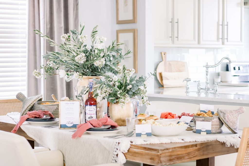 Neutral sophisticated Labor Day tablescape