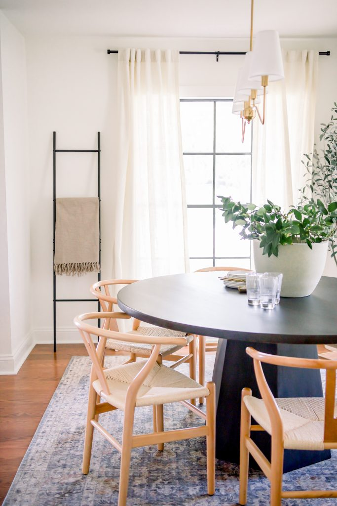 warm and welcoming dining room design