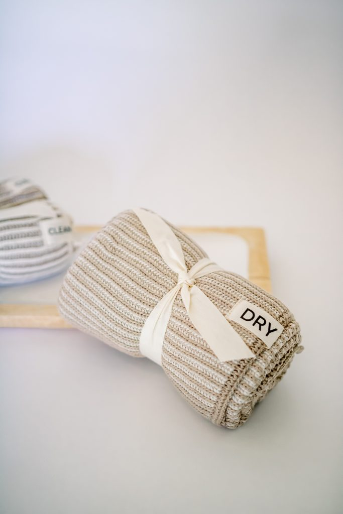 clean your home with APIARY dry cloth