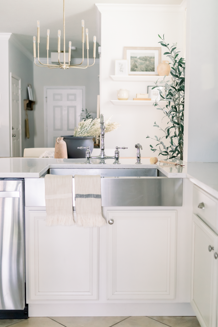 4 #HostfulHacks That Keep Your Kitchen Clean as You Prep Dinner